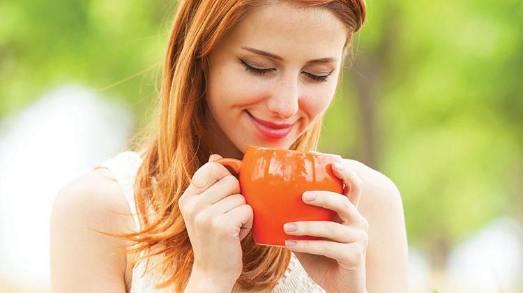 woman-drinking-tea-760x420